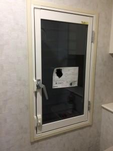 ハンドルを変えればふかし材無しで内窓設置