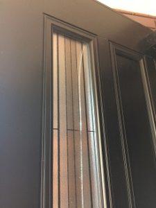 玄関のガラスの割れ