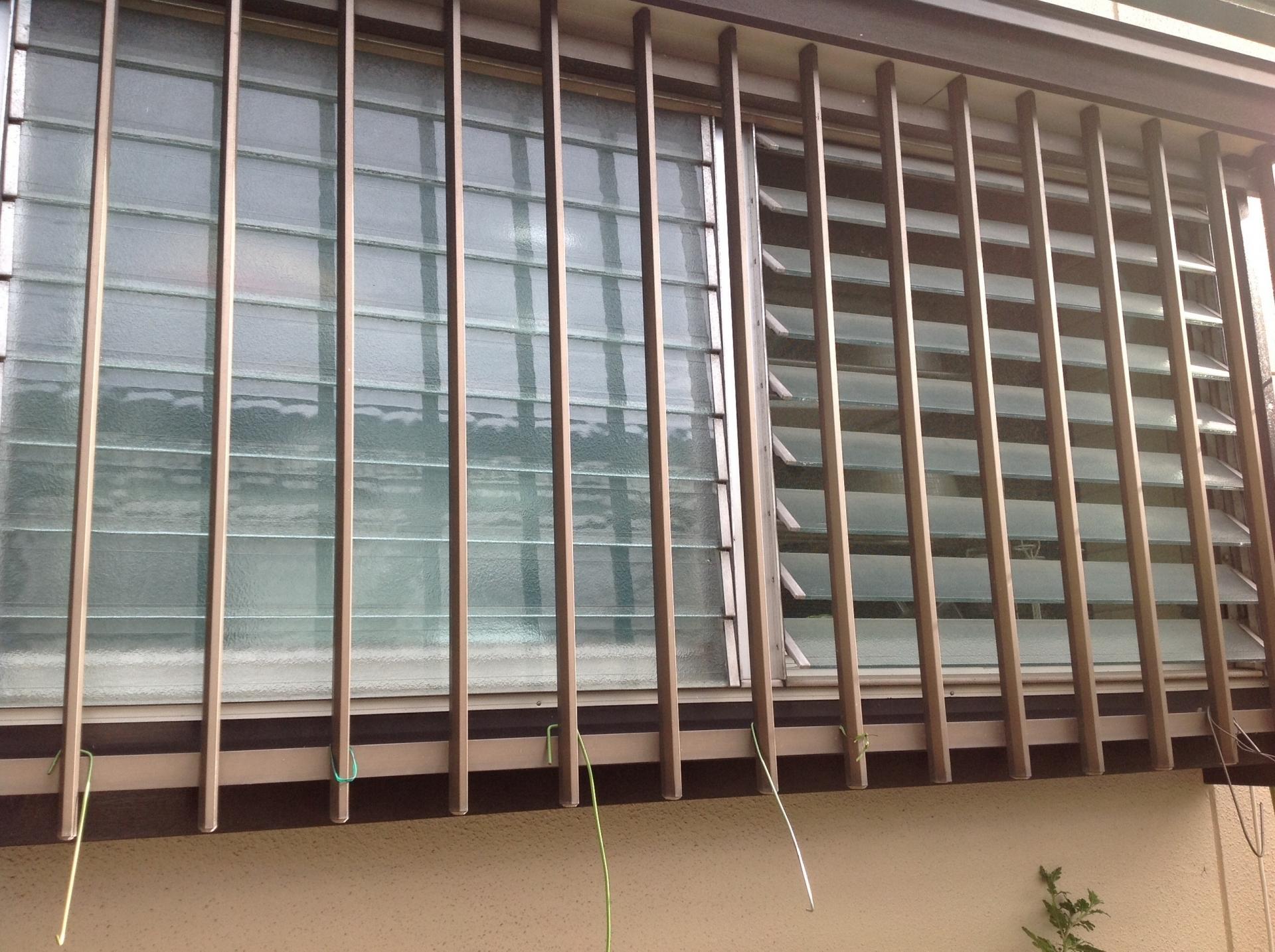 面格子は窓からの防犯対策の基本です