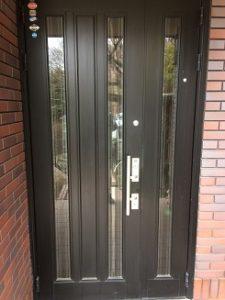 玄関ドアガラス割れ