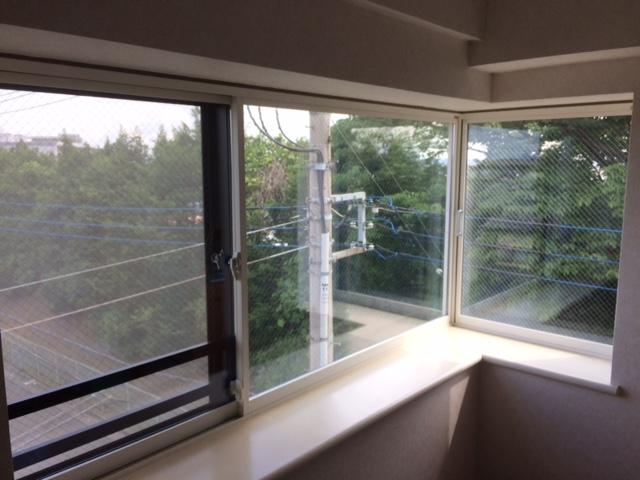 コーナー窓の内窓