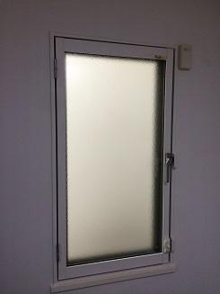 まどまどの開き窓