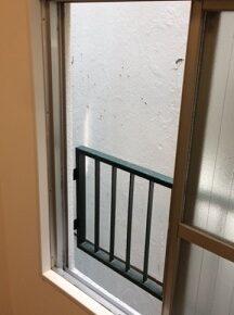 エアコンダクト窓から通す