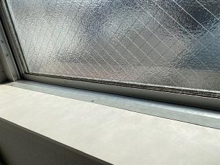 吹き抜け窓の汚れを綺麗に