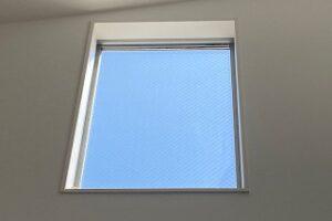 吹き抜けのFIX窓