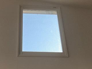 はしごで内窓(二重窓)取り付け