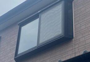 出窓に多機能ルーバー